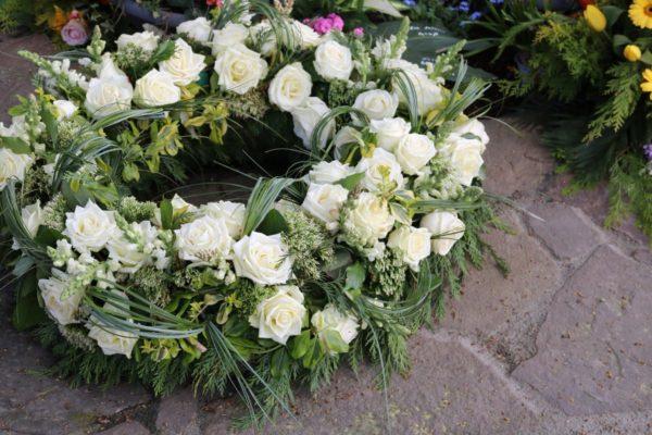 corone-funebri-fiori-freschi-bergamo